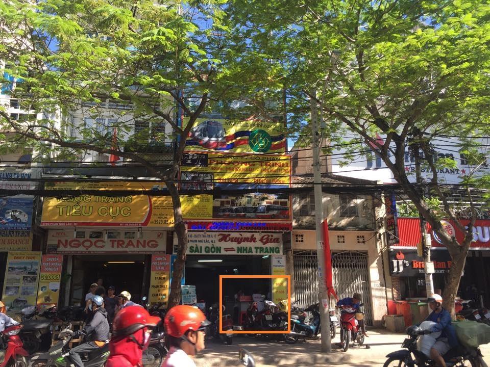 Phuong Trinh Bus counter