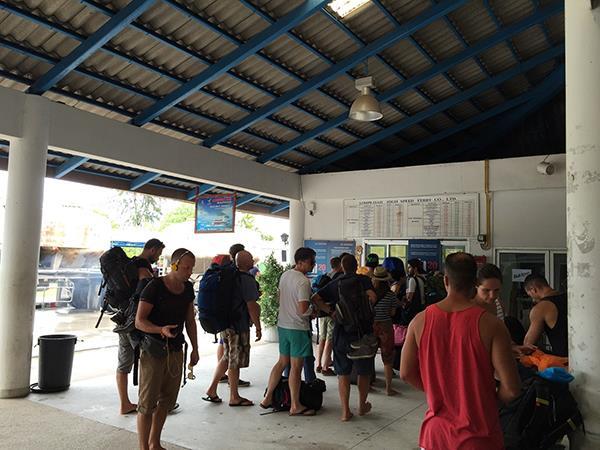 Lomprayah service to Koh Phangan -Jetty check-in