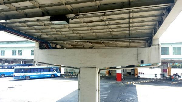 Southern Bangkok Bus Terminal (Sai Tai Mai)  - Bridge to bus platform