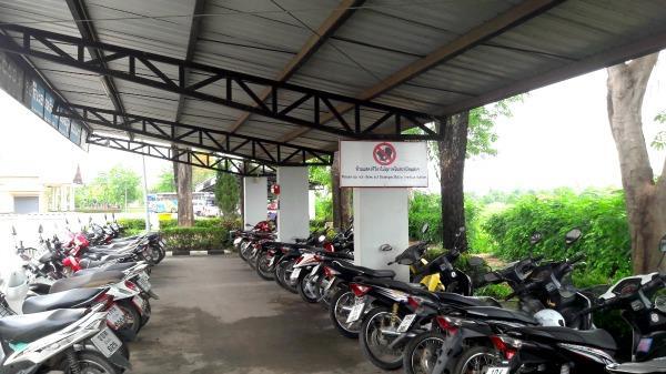 Sukhothai Bus Station - Motor area