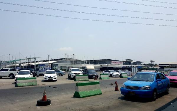 Southern Bangkok Bus Terminal (Sai Tai Mai)  - Taxi area
