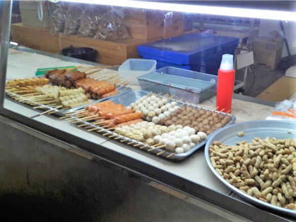 Food at rest stop Bangkok to Chumphon