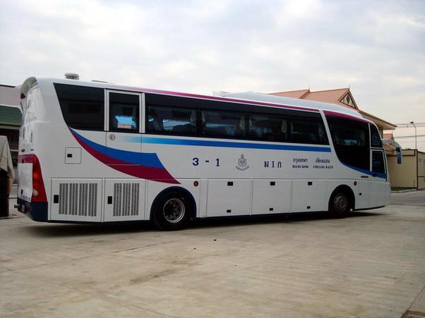 Sombat Bus