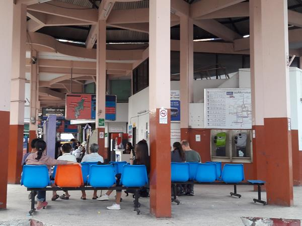 Waiting area at Chang Phueak Bus Station